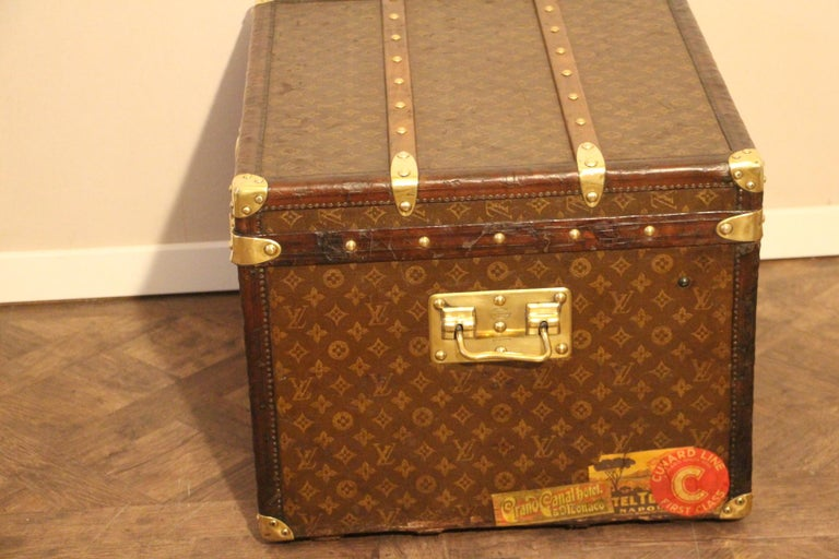 Small 1920s Louis Vuitton Monogram Steamer Trunk For Sale 6