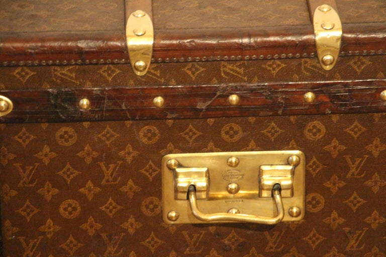 Small 1920s Louis Vuitton Monogram Steamer Trunk For Sale 7
