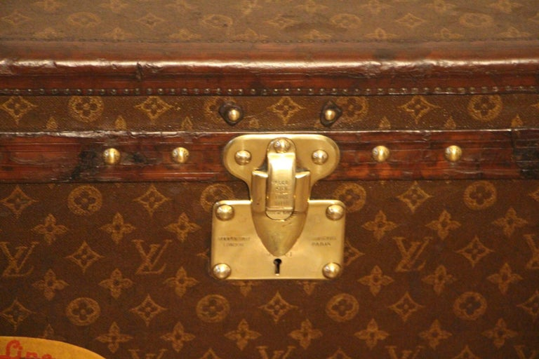 Small 1920s Louis Vuitton Monogram Steamer Trunk In Good Condition For Sale In Saint-Ouen, FR