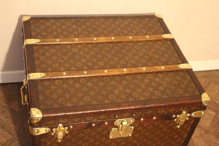 Small 1920s Louis Vuitton Monogram Steamer Trunk For Sale 1