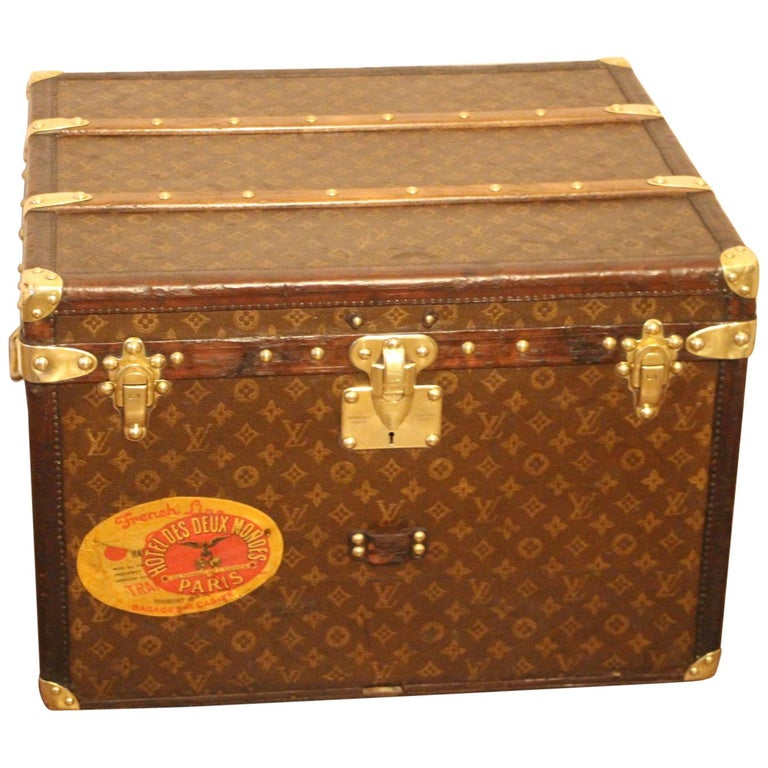 Small 1920s Louis Vuitton Monogram Steamer Trunk For Sale
