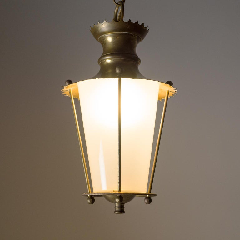 Small 1940s French Brass Lantern In Good Condition For Sale In Vienna, AT