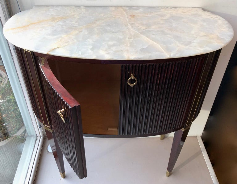Small 1940s Italian Cabinet Onyx Top and Brass, Attributed to Paolo Buffa For Sale 5