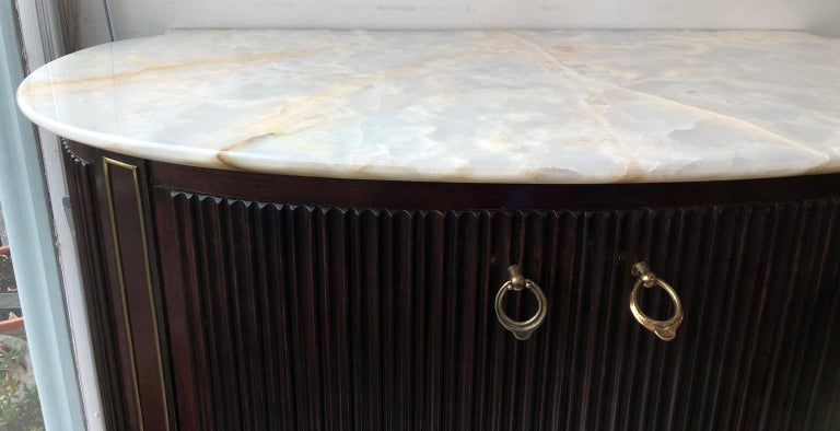 Small 1940s Italian Cabinet Onyx Top and Brass, Attributed to Paolo Buffa For Sale 6