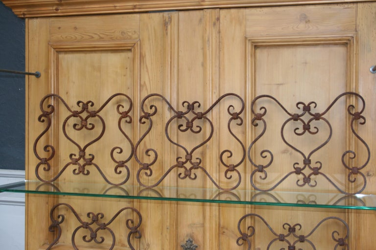 Small 19th Century Wrought Iron Window Grills or Grates, Set of 5 For Sale 3