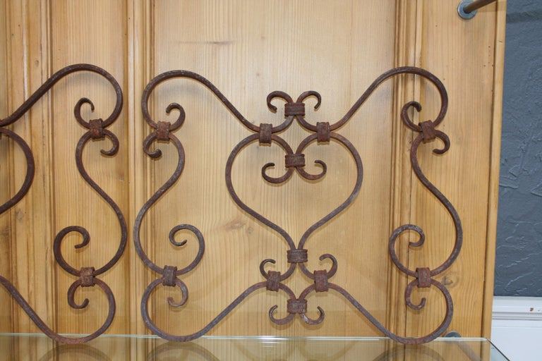 Small 19th Century Wrought Iron Window Grills or Grates, Set of 5 For Sale 5