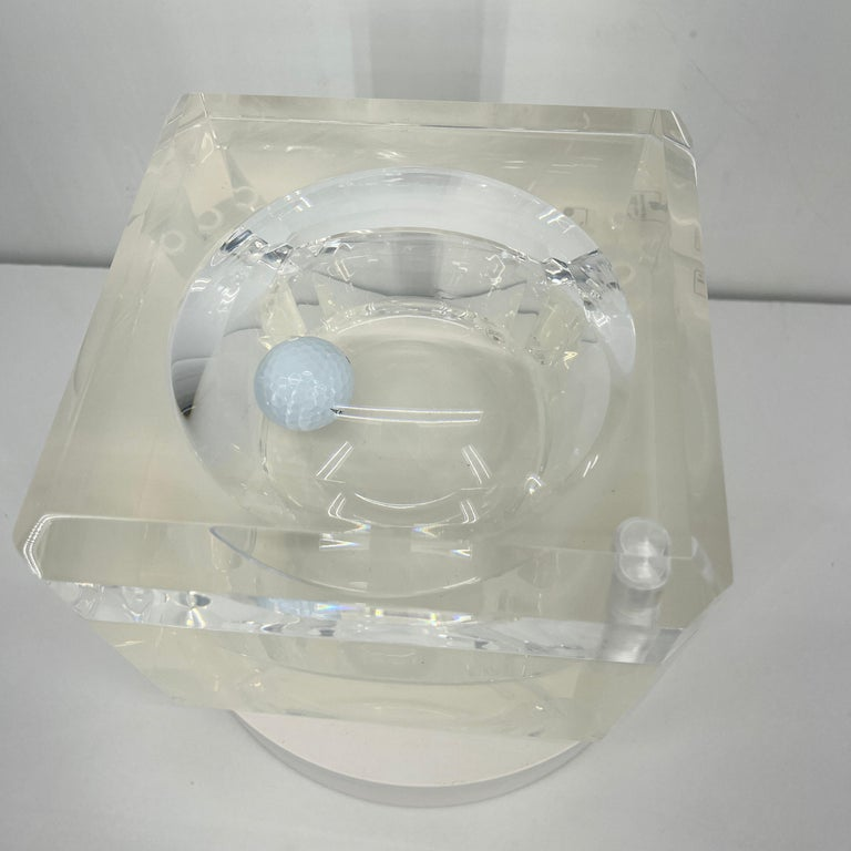 Small Abrizzi Lucite Ice Bucket with Beveled Swivel Top, Mid-Century Modern In Good Condition For Sale In Haddonfield, NJ