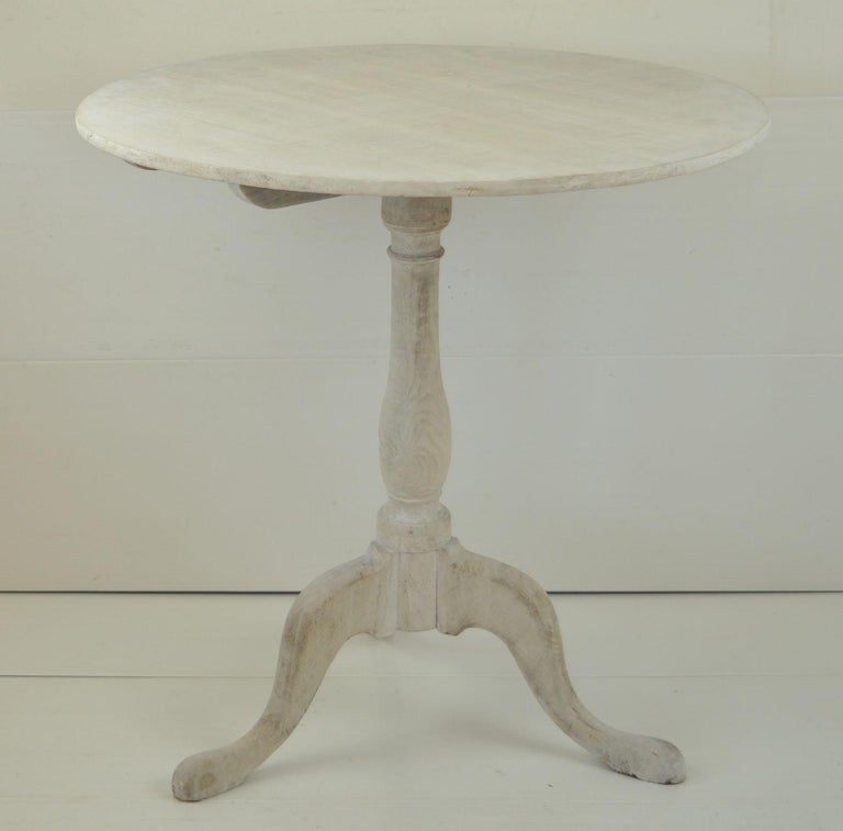 Small Antique Liked Oak Tripod Table, English, Early 19th Century In Good Condition For Sale In St Annes, Lancashire