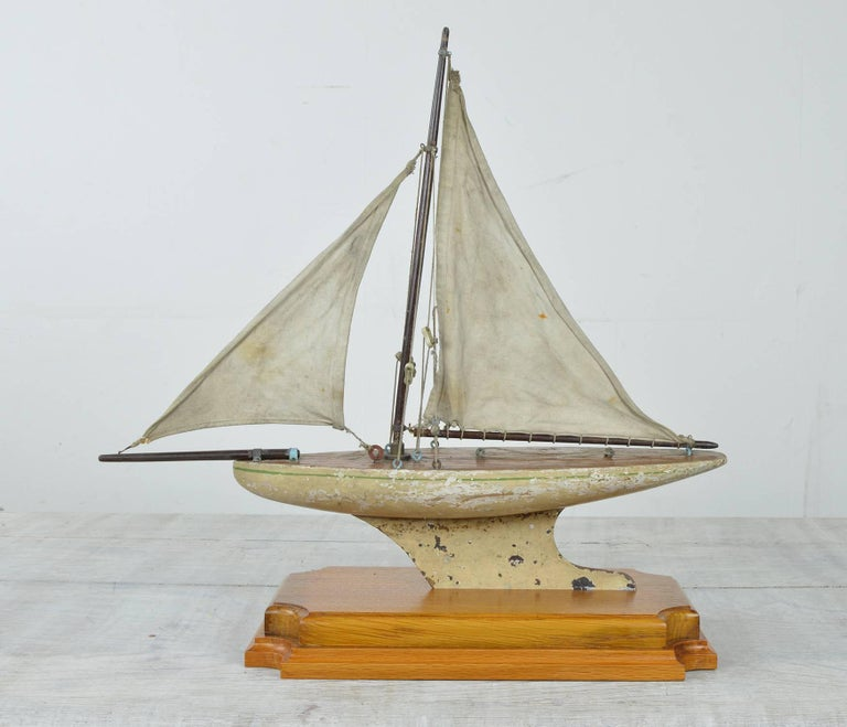 Charming little pond yacht.