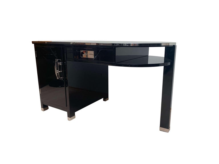 Small Art Deco Desk with Column Leg, Black Lacquer and Metal, France, circa 1930 In Excellent Condition For Sale In Regensburg, DE
