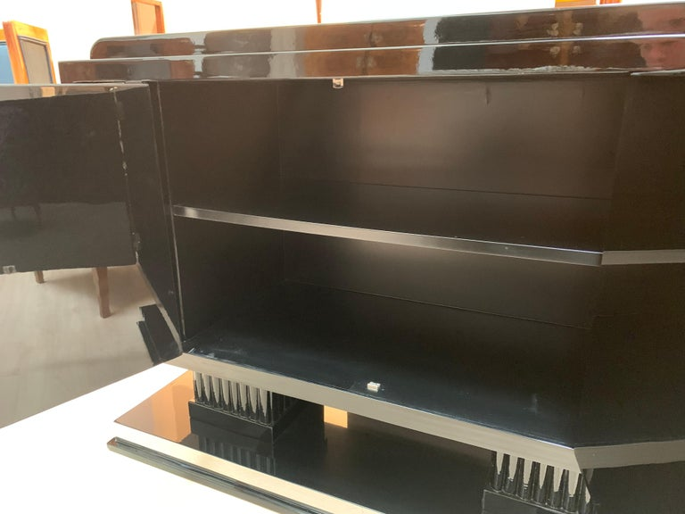 Small Art Deco Sideboard with Drawers, Black Piano Lacquer, France, circa 1930 For Sale 8