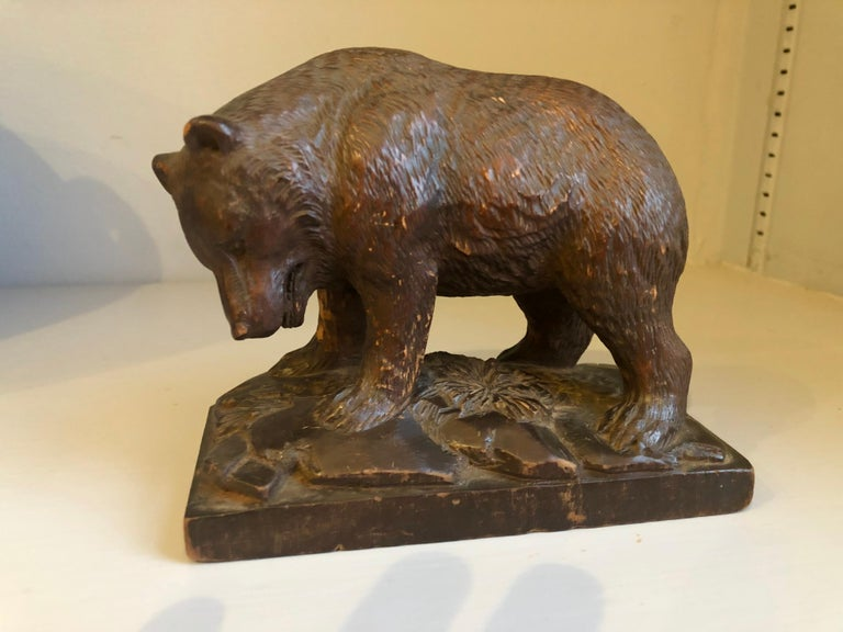 A small antique wood carving of a bear on all fours, Black Forest region, nicely modeled, circa 1870.