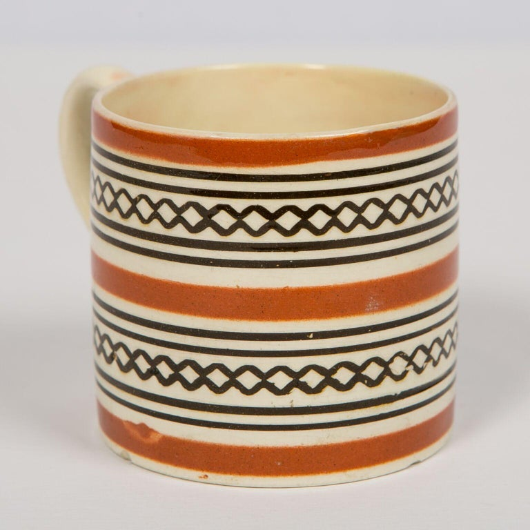 19th Century Small Brown Mochaware Mug Made in England, circa 1820 For Sale