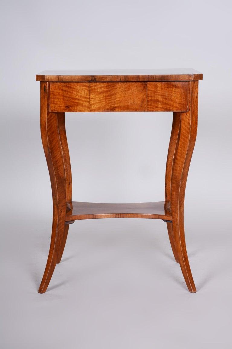 Czech Small Brown Walnut Biedermeier Side Table, Austria, 1830s, Shellac Polished For Sale