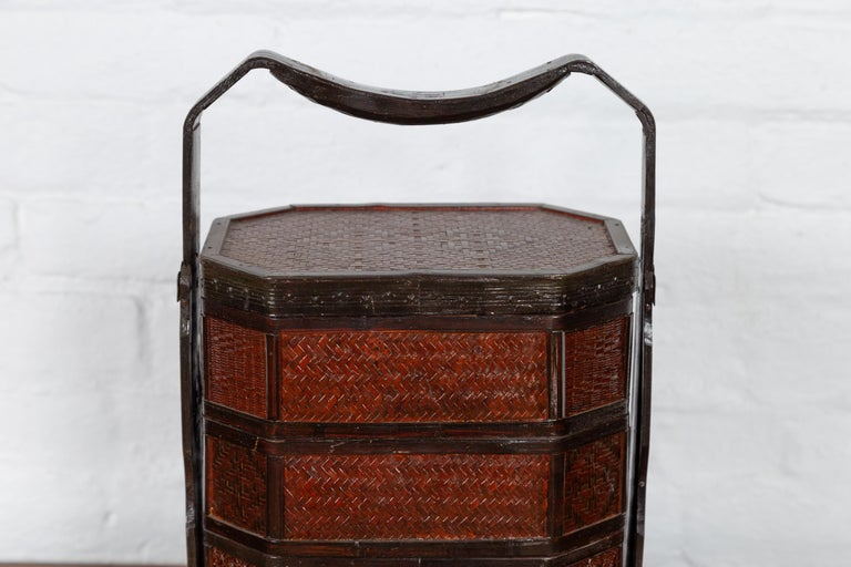 Small Burmese Vintage Stacking Picnic Basket with Lacquered Accents and Handle In Good Condition For Sale In Yonkers, NY