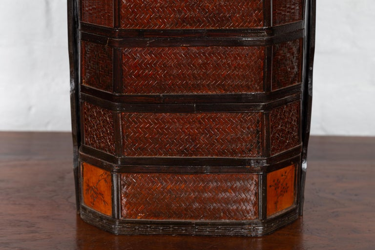 20th Century Small Burmese Vintage Stacking Picnic Basket with Lacquered Accents and Handle For Sale