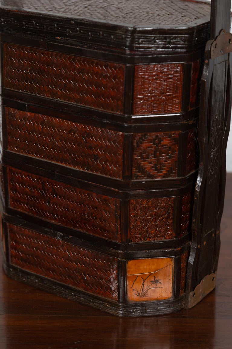 Small Burmese Vintage Stacking Picnic Basket with Lacquered Accents and Handle For Sale 3