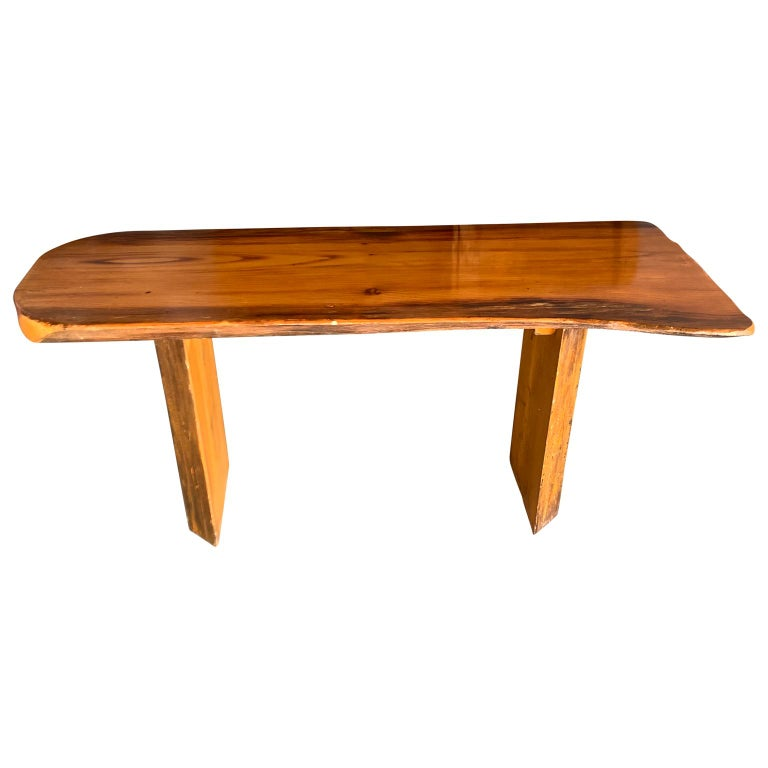 Small Californian Live Edge Bench in Solid Wood In Good Condition For Sale In Haddonfield, NJ