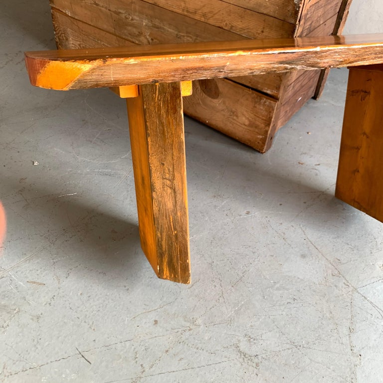 Small Californian Live Edge Bench in Solid Wood For Sale 1