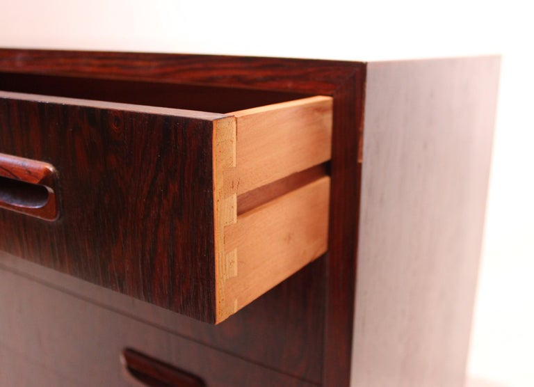 Small Chest of Drawers in Rosewood of Danish Design, 1960s For Sale 1