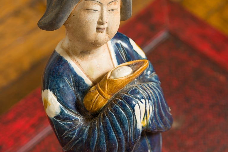 20th Century Small Chinese Statue of a Court Lady Wearing Blue Kimono and Holding a Baby For Sale