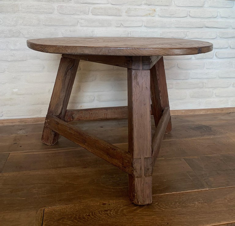 Small Circular Side Table 19th Century Cricket Table For Sale 5