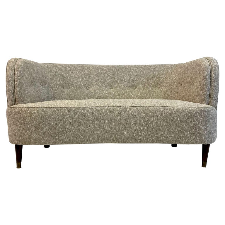 Small Curved 1940s Danish Two-Seat Sofa in Neutral Lelièvre Fabric For Sale