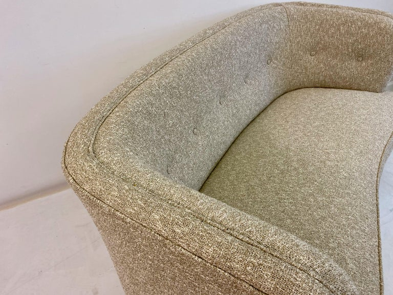 Small Curved 1940s Danish Two-Seat Sofa in Neutral Lelièvre Fabric For Sale 6