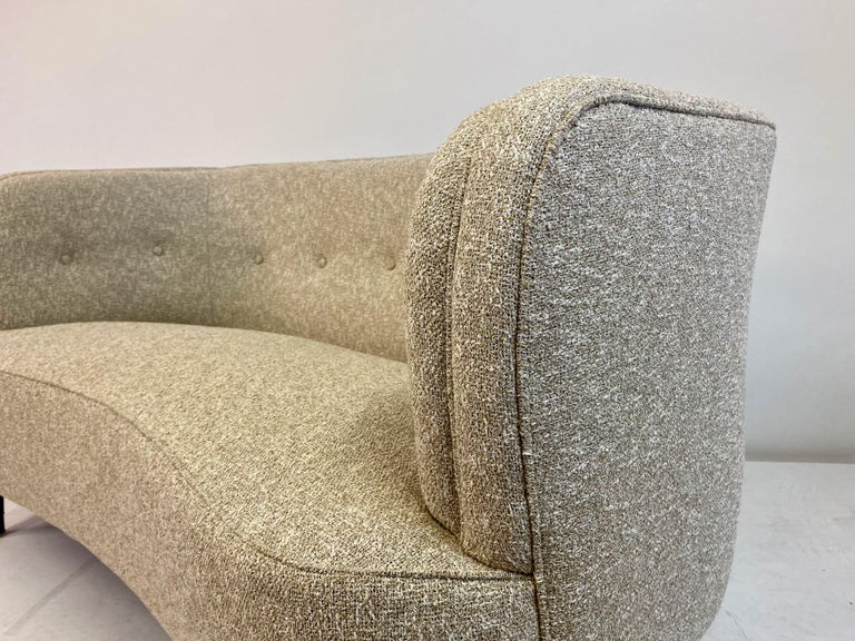 Small Curved 1940s Danish Two-Seat Sofa in Neutral Lelièvre Fabric For Sale 4
