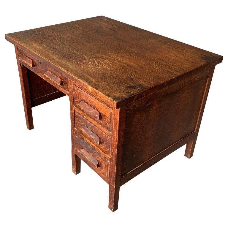 Wood Small Early 20th Century American 3-Drawer Office Desk For Sale
