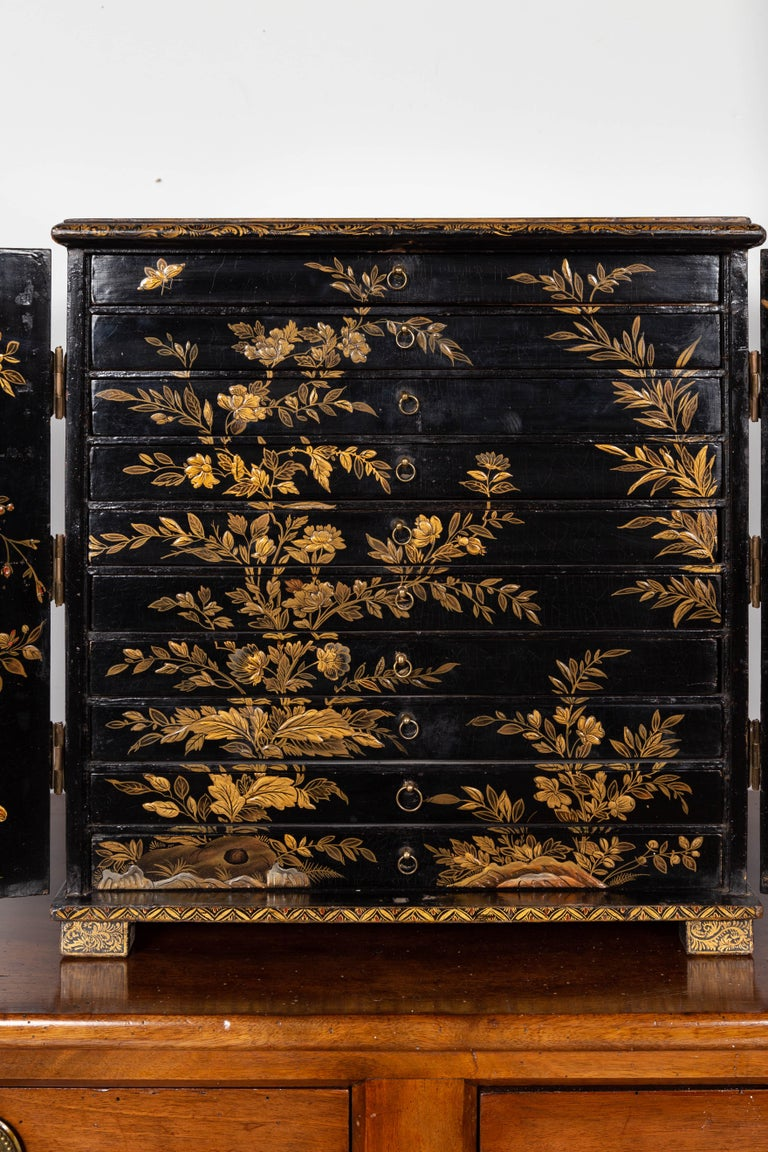 Small English 1890s Black and Gold Chinoiserie Cabinet with 10 Hidden Drawers For Sale 4