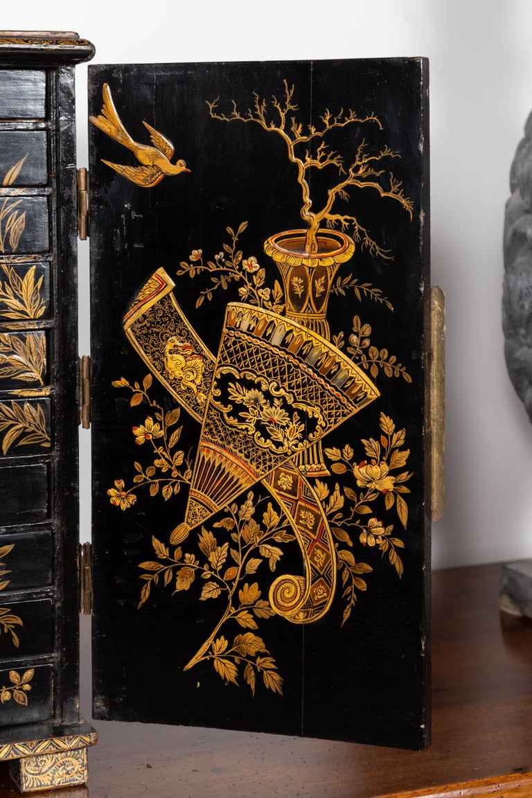 Small English 1890s Black and Gold Chinoiserie Cabinet with 10 Hidden Drawers For Sale 3