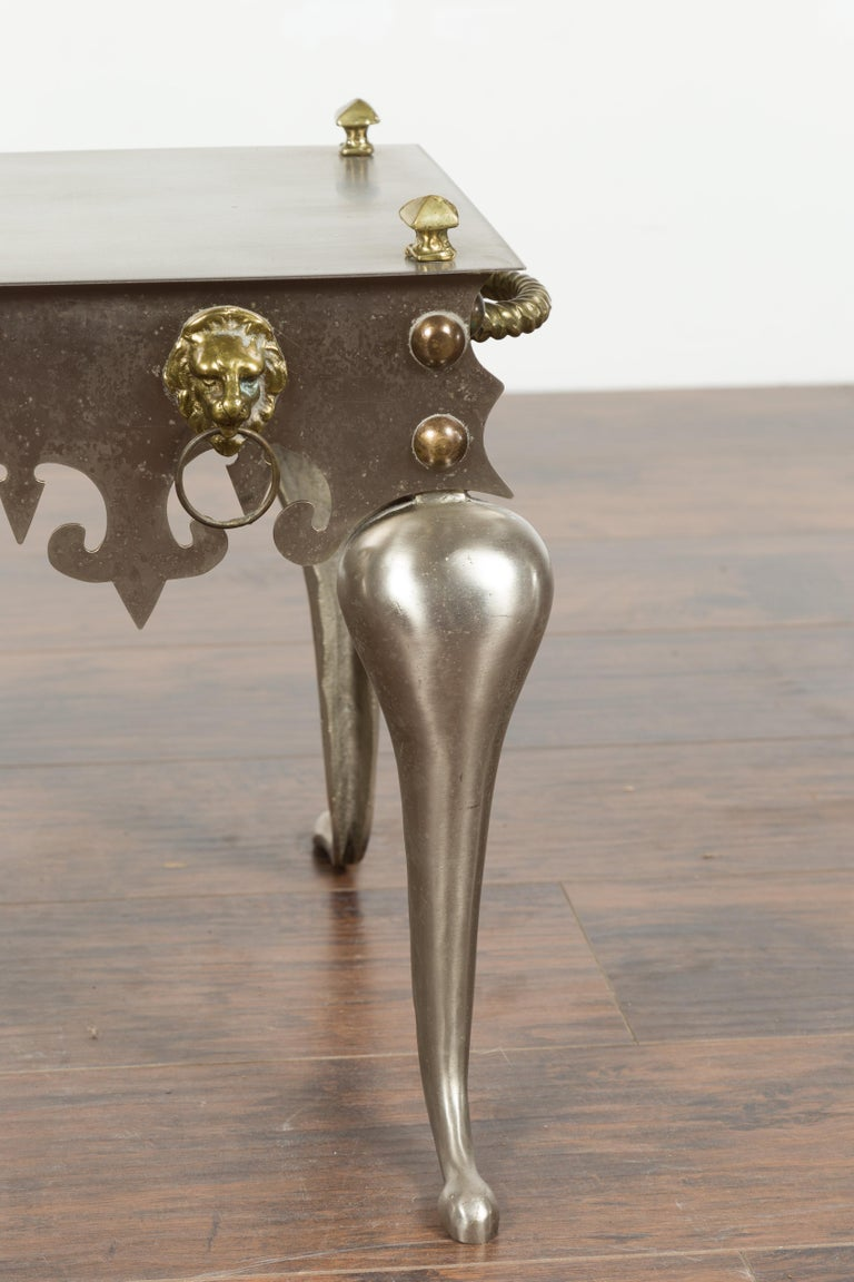Small English 1900s Steel and Brass Side Table with Lion Heads and Curving Legs For Sale 3