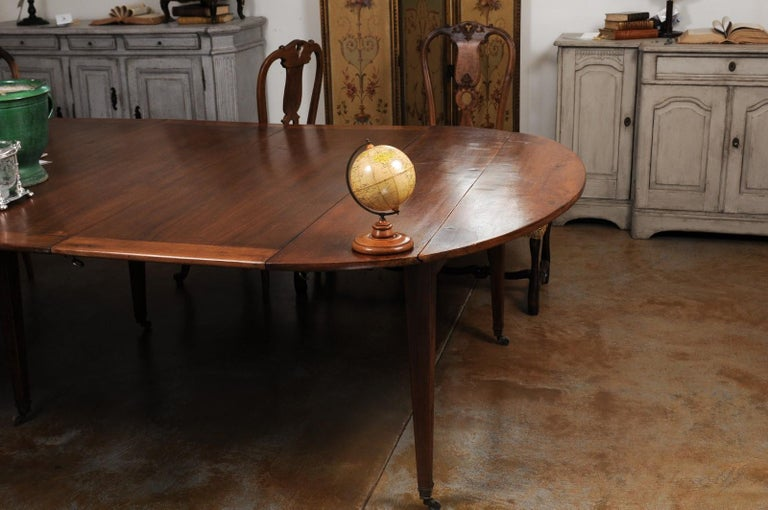Small English 20th Century George Philip Terrestrial Globe on Wooden Base In Good Condition For Sale In Atlanta, GA