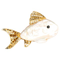 Small Fish, Cultured Pearl, Black and White Diamonds in Gold 18 Karat Brooch