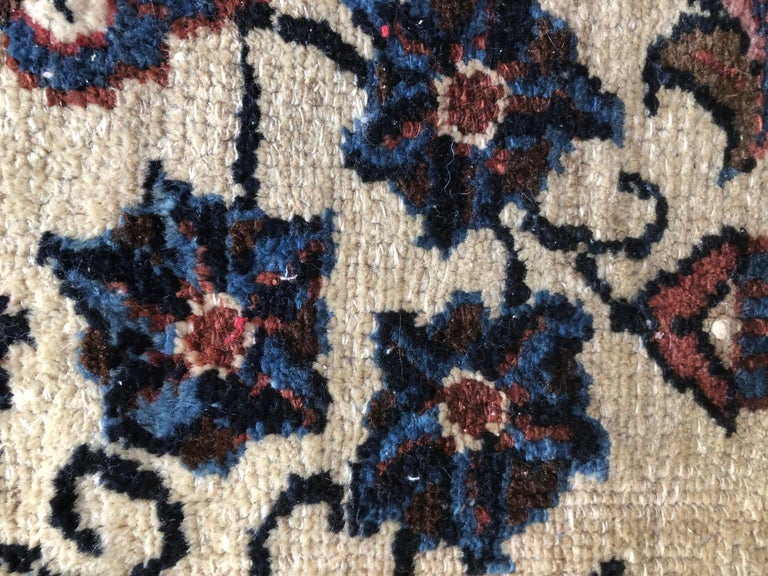 Small Floral Persian Rug Fine Wool For Sale 4