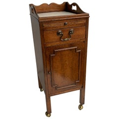 Small Georgian Style Bedside Cabinet By Smith & Watson, New York