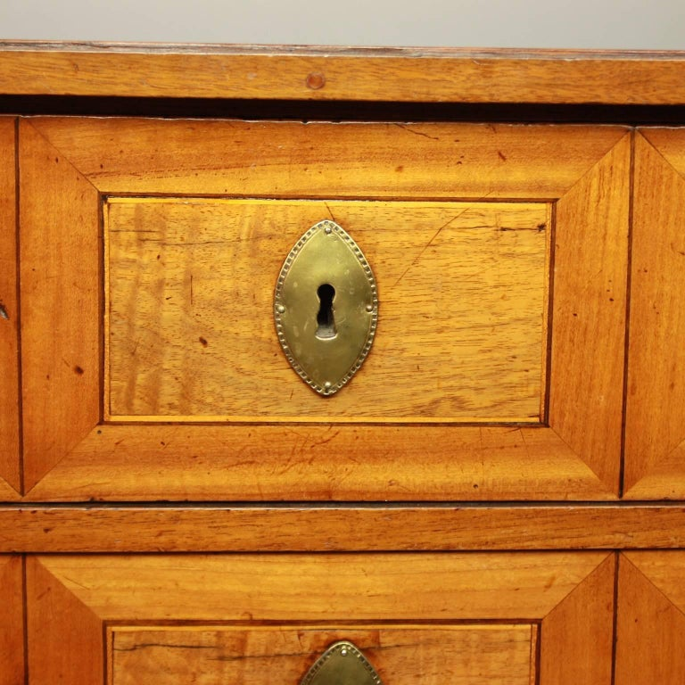 Small German Neoclassical Marquetry Commode or Chest of Drawer, 18th Century For Sale 3