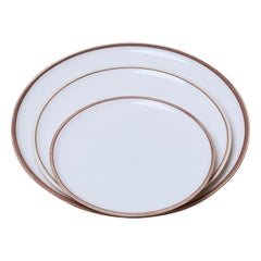 Small Ivory Glazed Porcelain Hermit Plate with Rustic Rim