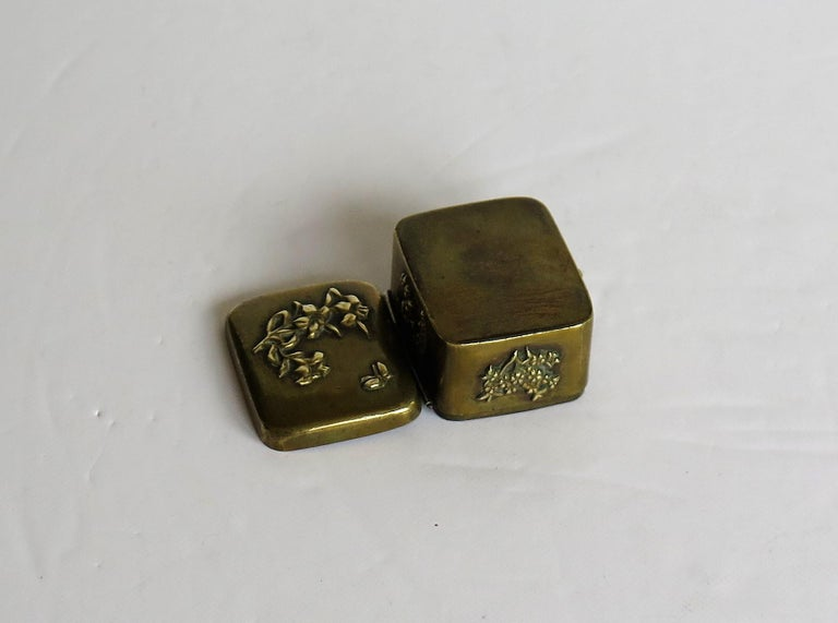 Small Japanese bronze and brass embossed Box with hinged lid 19th C Meiji Period For Sale 12