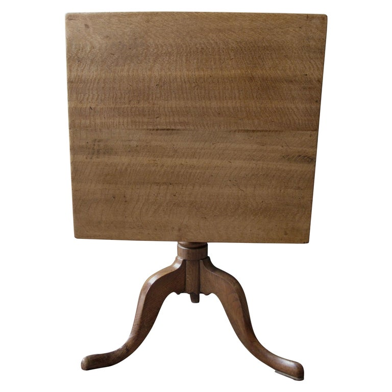 Small Light Oak Tripod Table, Side Table, Coffee Table, Wine, Victorian, English For Sale