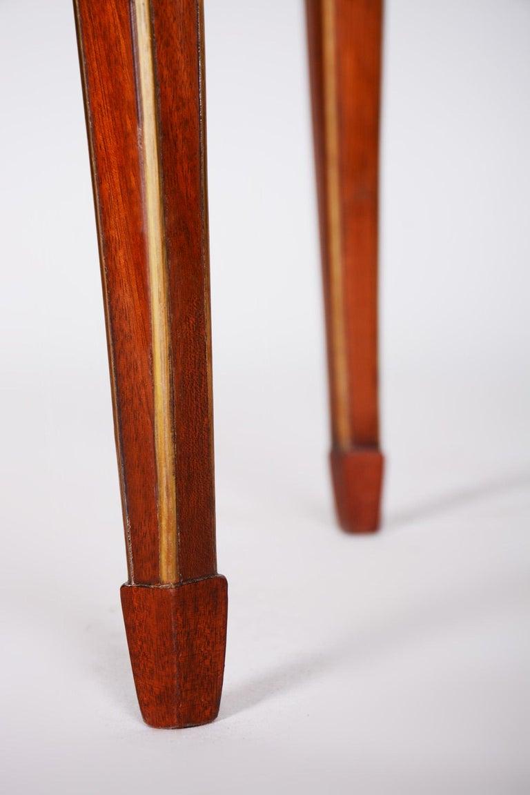 Early 19th Century Small Mahogany Biedermeier Oval Table, France 1820-1829, Shellac Polished For Sale