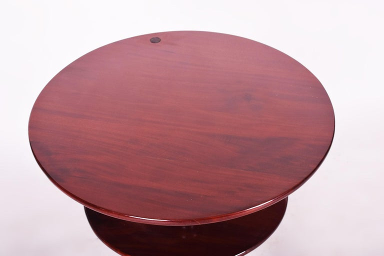 Small Mahogany Historicism Rounded Table, Germany, 1880-1889, High Gloss In Good Condition For Sale In Prague 1, CZ