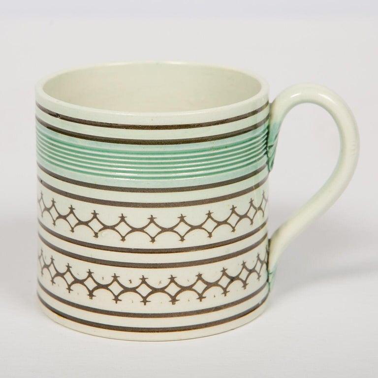 Earthenware Small Mochaware Mug England, circa 1820 For Sale