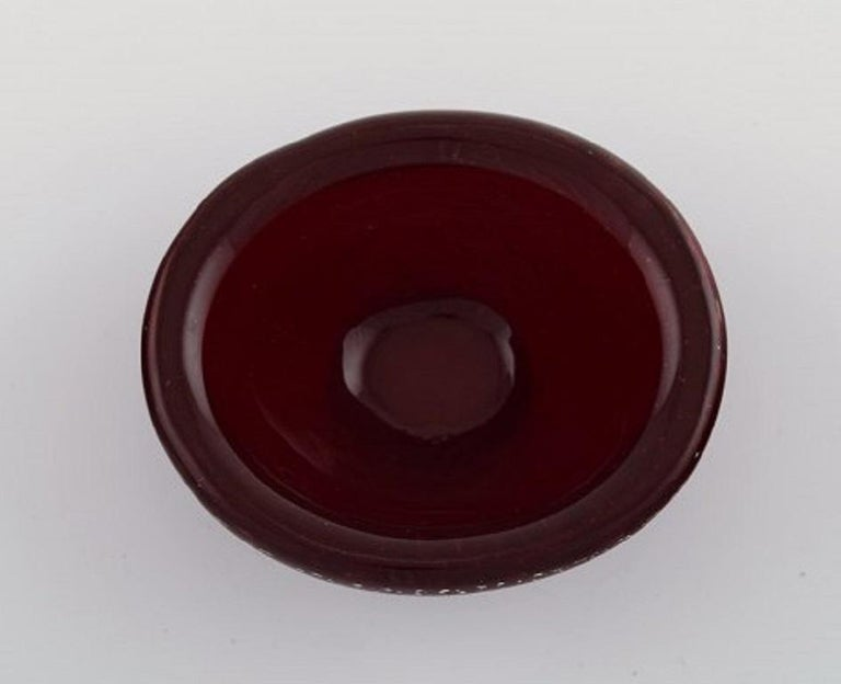 Mid-Century Modern Small Murano Bowl in Red Mouth-Blown Art Glass with Inlaid Air Bubbles, 1960s For Sale