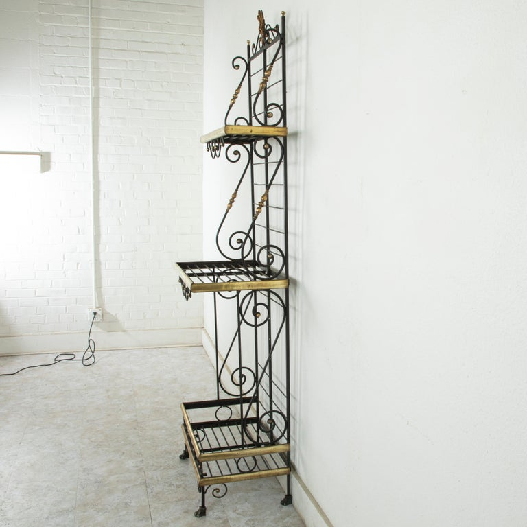 Small Scale Early 20th Century French Iron and Brass Baker's Rack or Shelves In Good Condition For Sale In Fayetteville, AR