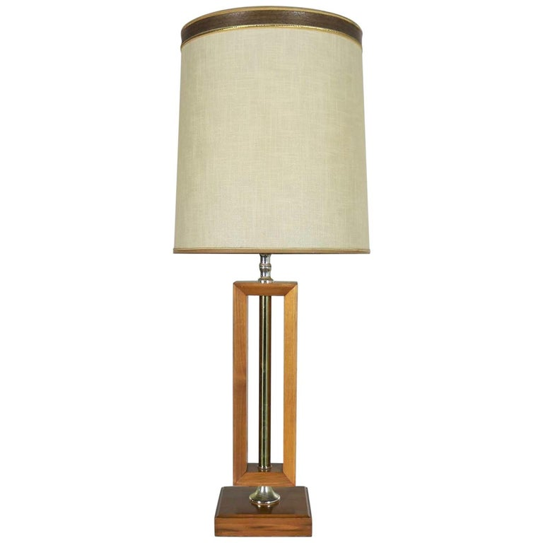Small Scale Mid-Century Modern Walnut and Brass Lamp Style of Laurel Lamp Mfg For Sale