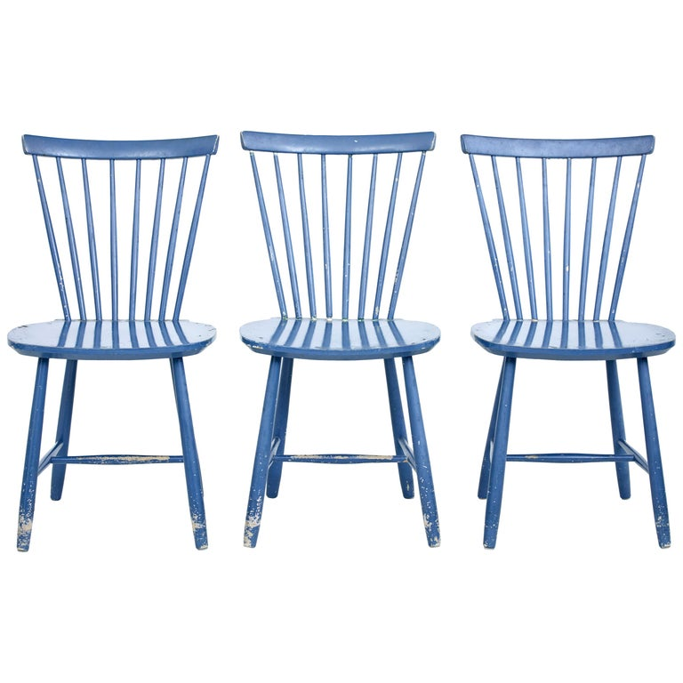 Small Set of 19th Century Swedish Painted Dining Chairs For Sale