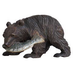 Small & Special Style Hand Carved Hunting Grizly Bear Sculpture with Salmon 1930