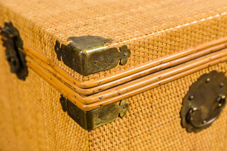 Small Square Rattan Trunk In Excellent Condition In Stamford, CT